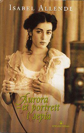 Aurora - et portrett i sepia.