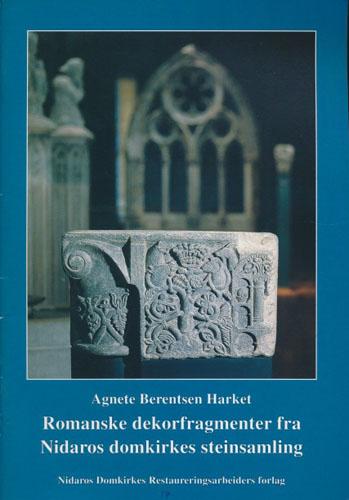 Romanske dekorfragmenter fra Nidaros domkirkes steinsamling.